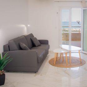 2pieces Terrasse et loggia vue mer - salon