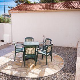 Appartements 2 pièces jardin - tables